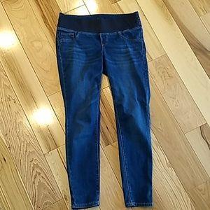 Old Navy Jeans - Maternity 24/7 Rockstar Sculpt Jeggings